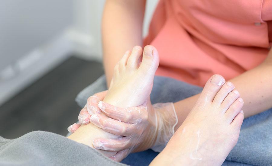 Fußmassage nach einer Medizinischer Fußbehandlung