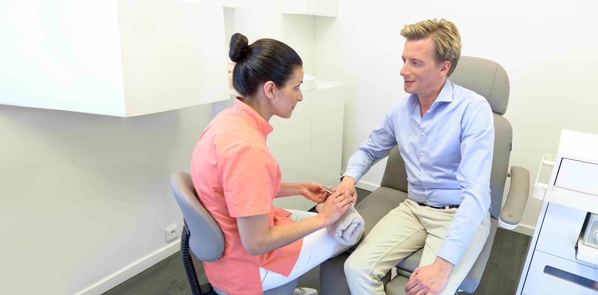 Medizinische Handpflege