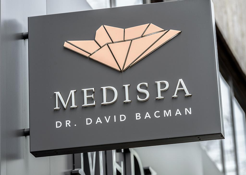 Modernes Erscheinungsbild und Logo von MEDISPA, dem Schönheitssalon in Köln für medizinisch-ästhetische Behandlungen