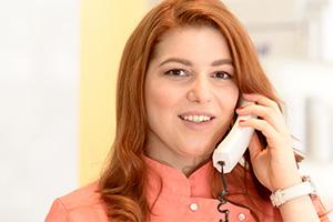 Unsere Fachkosmetikerinnen beantworten gerne telefonisch Ihre Fragen.