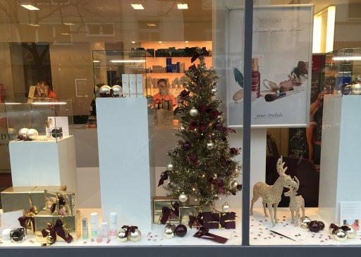 Weihnachtsaktion und Gutscheine im MEDISPA, Dr. David Bacman Köln